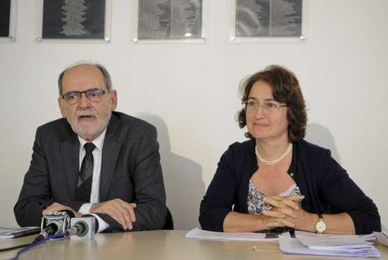 O vice-presidente do Conselho Federal de Medicina, Carlos Vital, e Maria do Carmo Lencastre, da Sociedade Brasileira de Geriatria e Gerontologia (SBGG), durante coletiva sobre terapia antienvelhecimento (Wilson Dias/ABr)