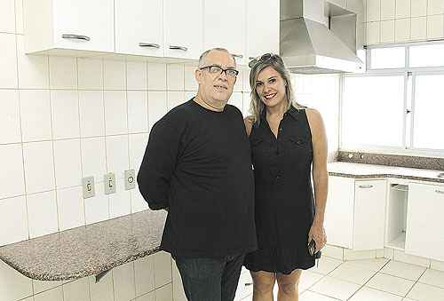 Bruno Guimares e a mulher, Cludia, esto  procura de um apartamento que lhes d conforto (Viola Junior/Esp. CB/D.A Press)
